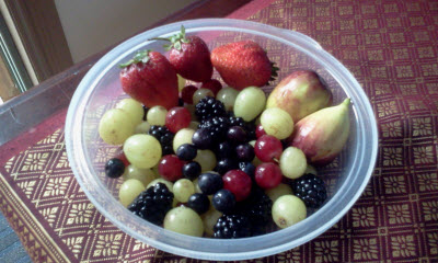 Blueberries, Strawberries, White Grapes, Red Grapes, Figs