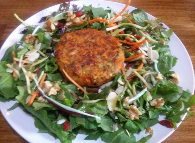 Veg Burger, Salad