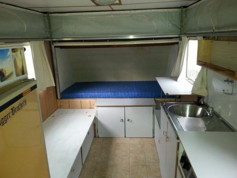 bed-above-storage