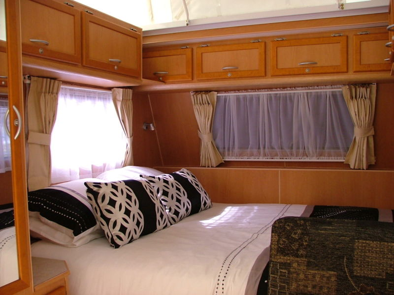 bed-overhead-storage