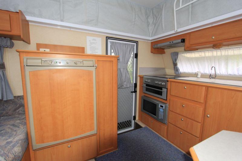 kitchen-sink-storage-rhs