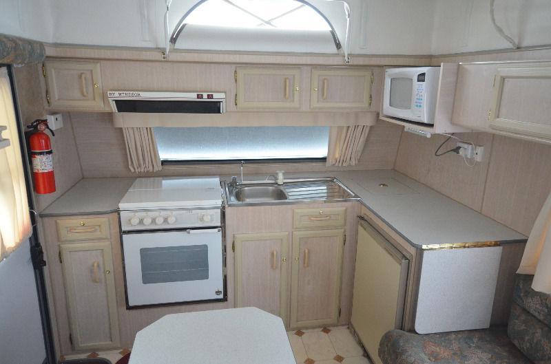 kitchen-sink-storage