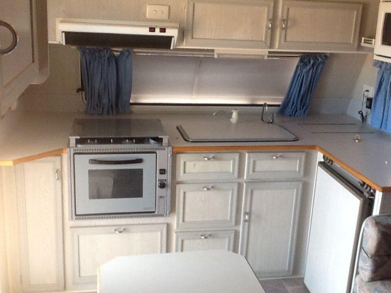 kitchen-storage-lid-over-sink