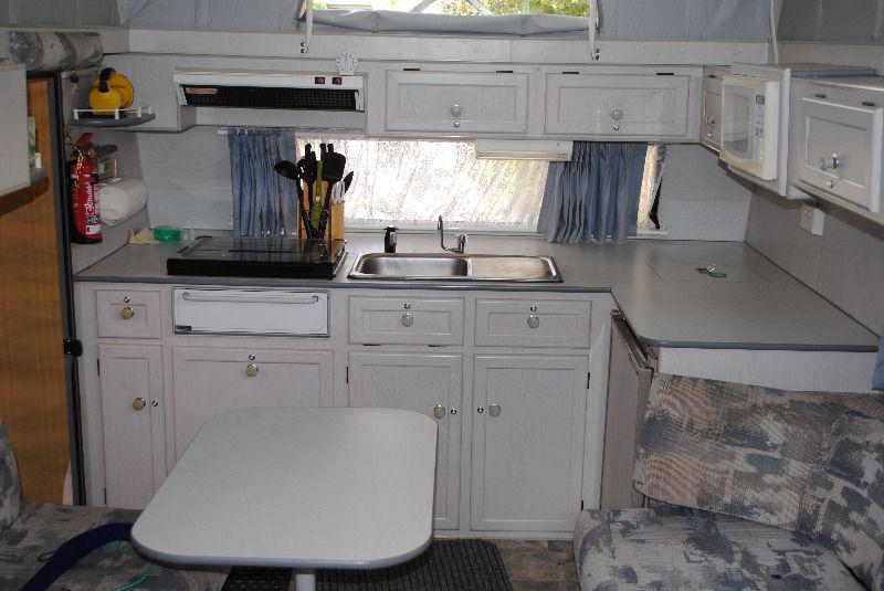 kitchen-storage-table