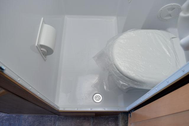side-toilet-wet-bath-waterproof-toiletpaper-holder